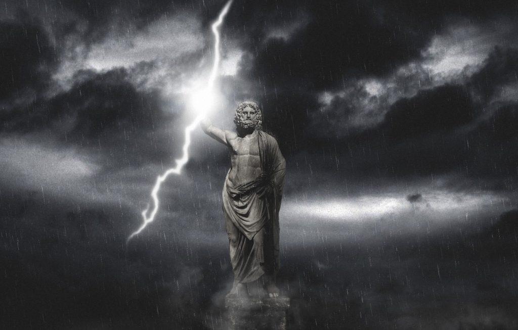 бог зевс с молнией