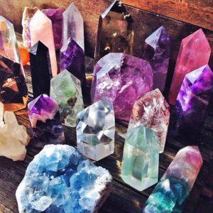 кристаллы и камни