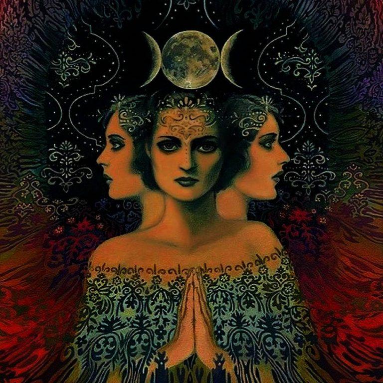 богиня луны