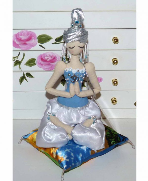 кукла йога будда
