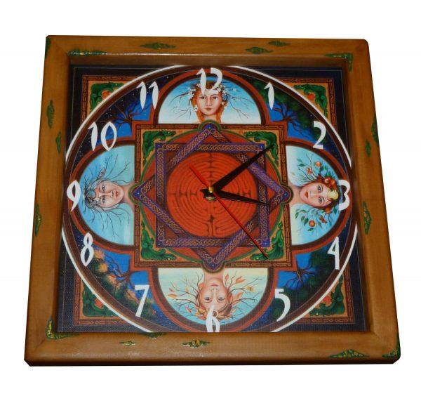 часы деревянные времена года