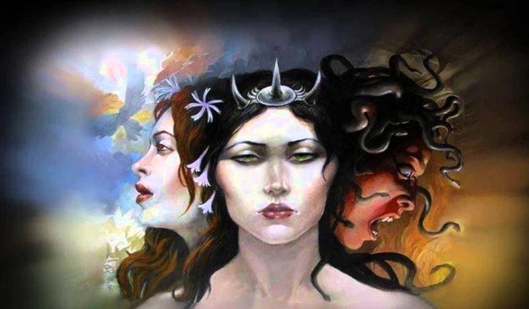 Богиня Геката