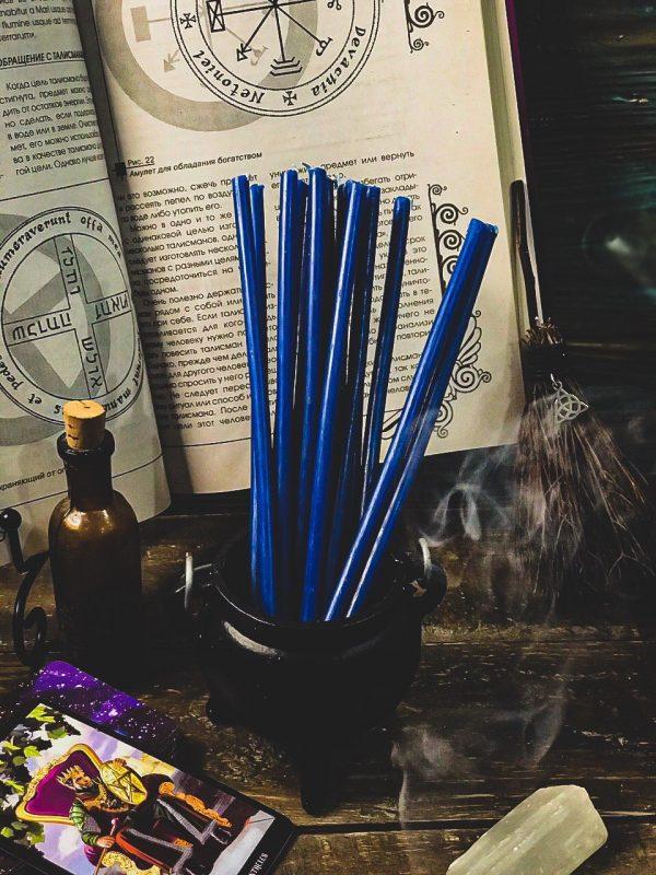 свеча из воска синяя