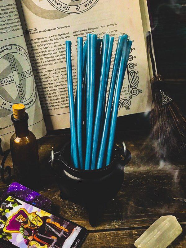 свеча голубая из воска
