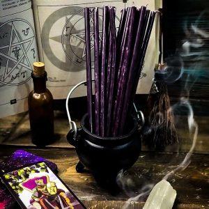 свеча фиолетовая из воска